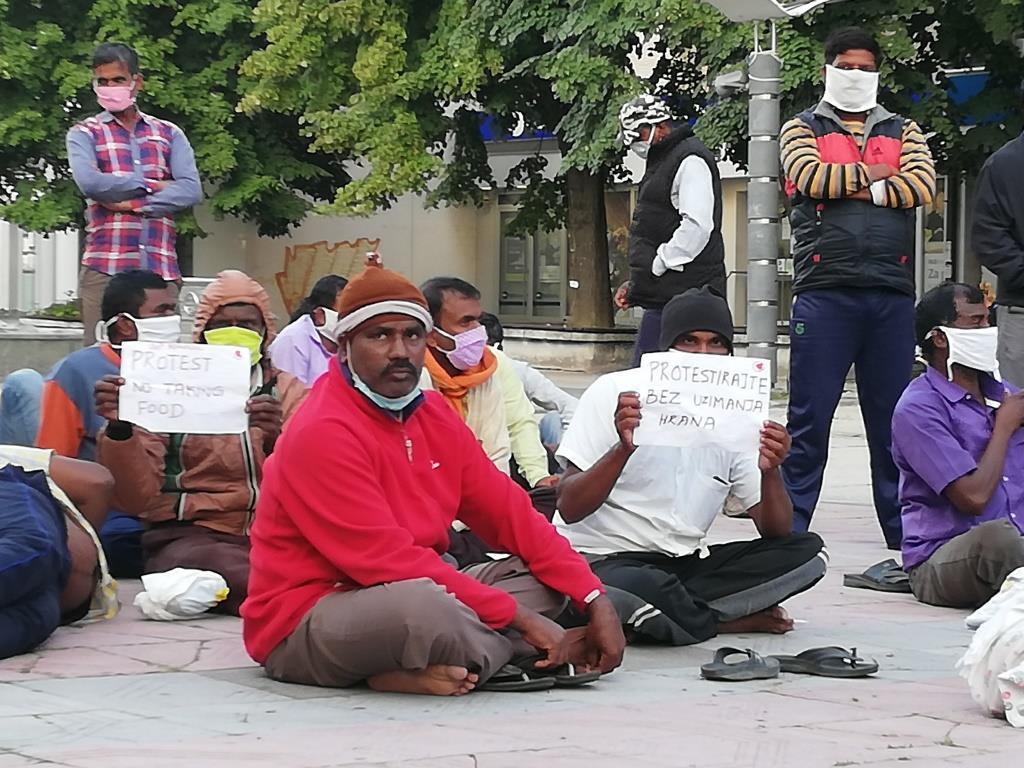 Radnici iz Indije nastavili štrajk glađu u centru Kraljeva 2