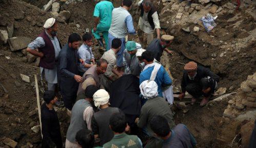 Najmanje 100 mrtvih u poplavama u severnom Avganistanu 3