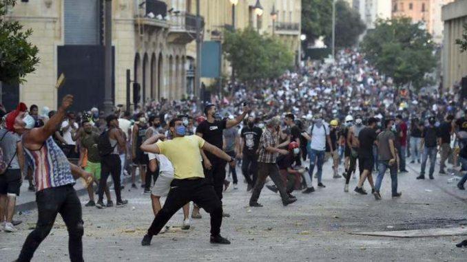 Novi protesti i sukobi demonstranata i policije u Bejrutu 3