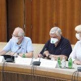 Istraživanje: Svaki drugi građanin Srbije nema poverenje u informacije Kriznog štaba 15