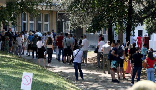 Nova.rs: U kilometarskom redu ispred 'Torlaka' veliki broj turista za Crnu Goru 10