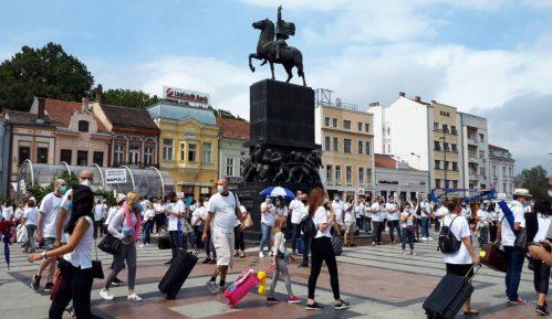 Turistički radnici na trgovima Beograda, Novog Sada, Niša i Kragujevca apelovali za spas 2
