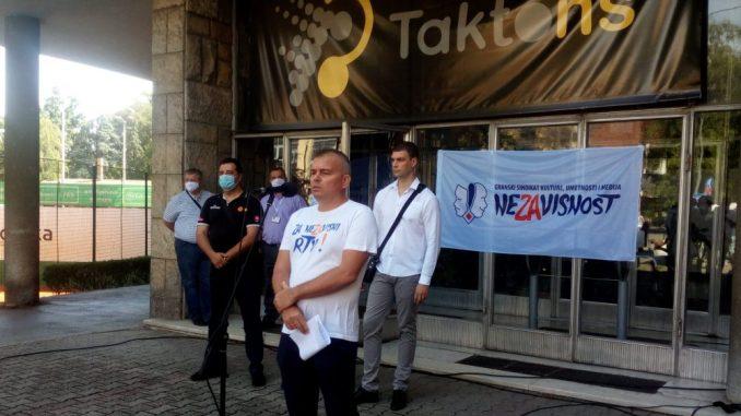 U Novom Sadu protest zbog otpuštanja radnika sa RTV-a 1