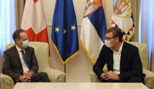 Vučić i ambasador Švajcarske: Povećati robnu razmenu 1