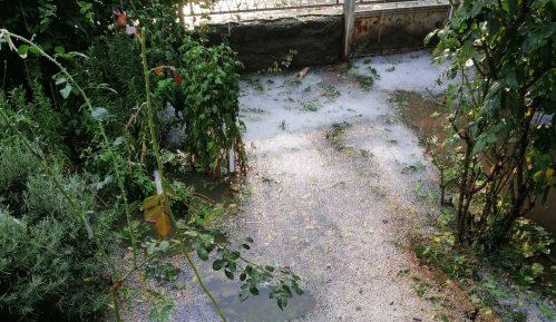 """Nevreme sa gradom """"poplavilo"""" ulice Donjeg Milanovca 14"""