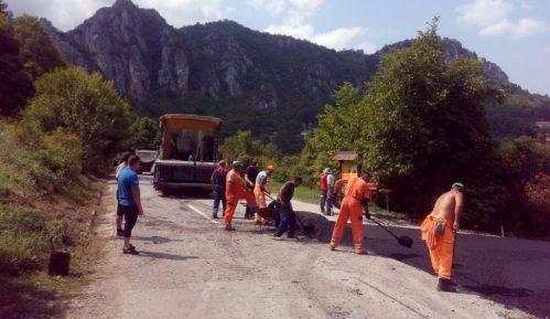 Završeni radovi prve faze izgradnje puta na ulazu u selo Vlasi 12