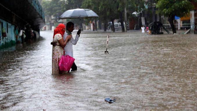 Monsunske poplave i klizišta odnele pet života u Indiji 1