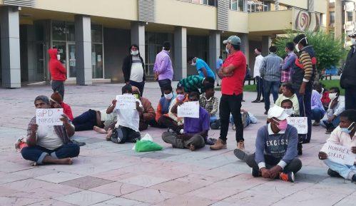 Radnici iz Indije nastavili štrajk glađu u centru Kraljeva 3