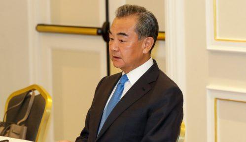 Kineski ministar spoljnih poslova potpisao u Italiji dva trgovinska sporazuma 9