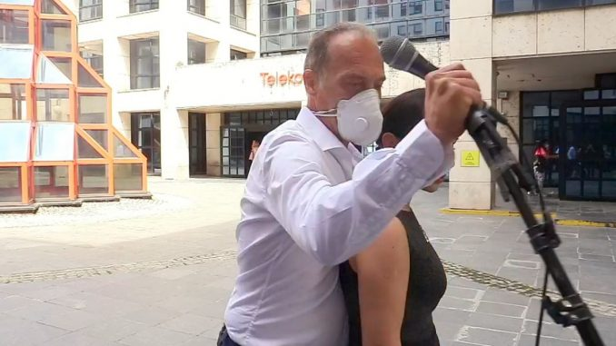 U toku ofanziva vlasti i njenih medija na Danas, Novu S, N1 i opozicione prvake 8