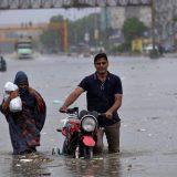 U Pakistanu najmanje 90 ljudi poginulo u poplavama usled monsunskih kiša 12