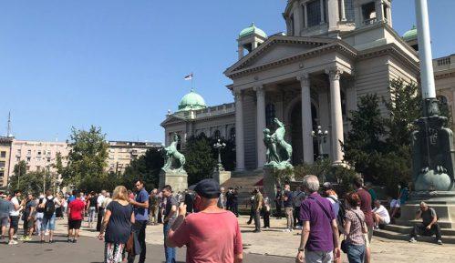 Građani se razišli posle protesta ispred Skupštine Srbije (FOTO) 11