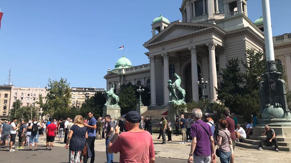Građani se razišli posle protesta ispred Skupštine Srbije (FOTO) 1