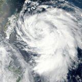 Tropska oluja Eta nastavlja da se kreće ka severoistoku Floride 10