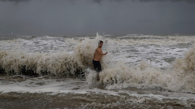 Uragan Laura postao uragan četvrte kategorije 5