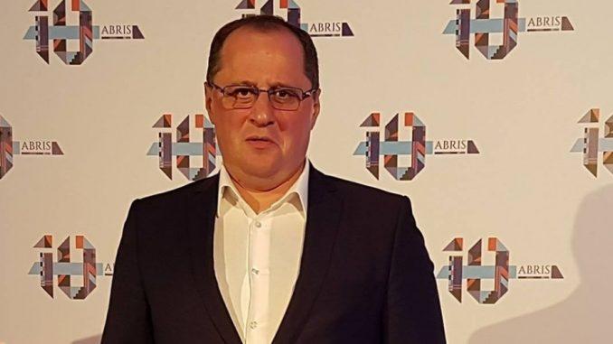 Zvezdan Milovanović: Dobrostojeći vojnik partije 4
