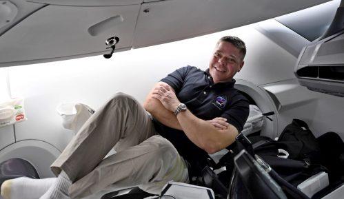 Pripreme za povratak kapsule SpejsEksa na Zemlju uprkos uraganu 1