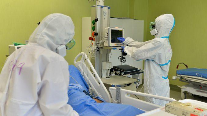 U KC Niš preminuo jedan pacijent, a petoro na respiratoru 3