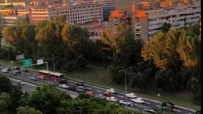 Protestna vožnja autoputem kroz Beograd u znak podrške Srbima u CG 4