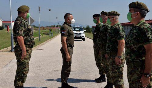 Vulin obišao pripadnike Petog bataljona vojne policije 15