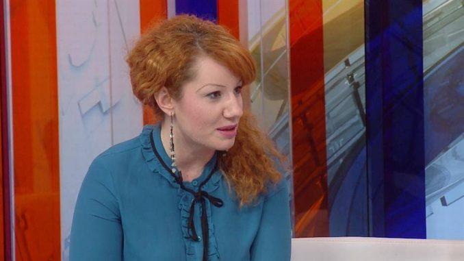 Sandra Jovanović (Šansa za roditeljstvo) 14. avgusta odgovara na Fejsbuku 1
