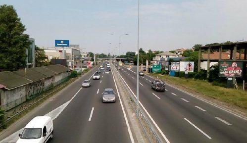 AMSS: Očekuju se gužve na prilazima gradovima, kamioni na granicama do dva sata 12