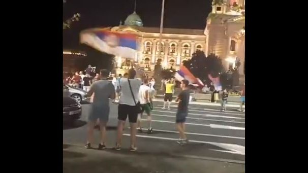 U Beogradu proslava izbornih rezultata u Crnoj Gori 1