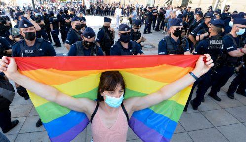 Svetski umetnici optužuju poljsku vladu za homofobiju 8