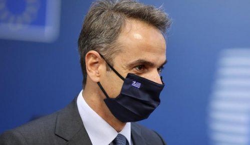 Grčki premijer negira da ne prihvataju azilante 13
