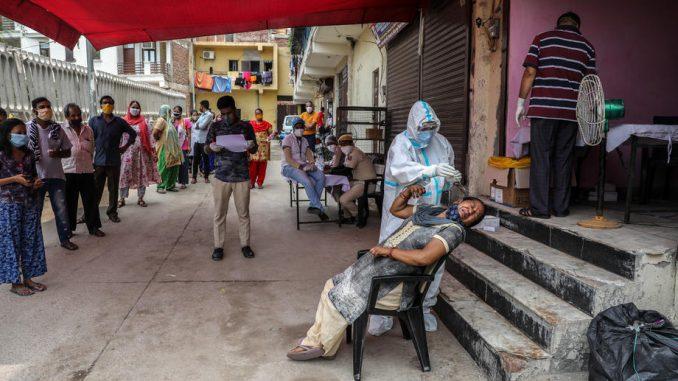 U Indiji skoro sedam miliona zaraženih korona virusom, stopa zaraze ipak opada 2