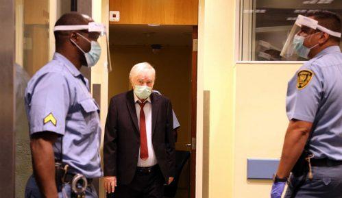 Odložena rasprava o stanju u postupku protiv Mladića zbog odsutnosti branilaca 3