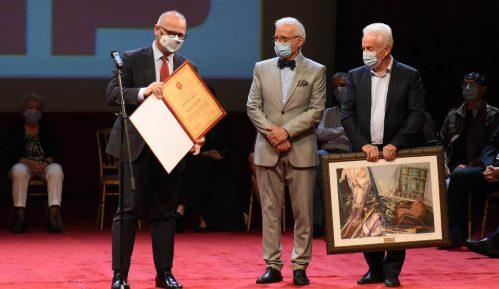 Članovi žirija daju ostavke, laureati vraćaju nagradu 14