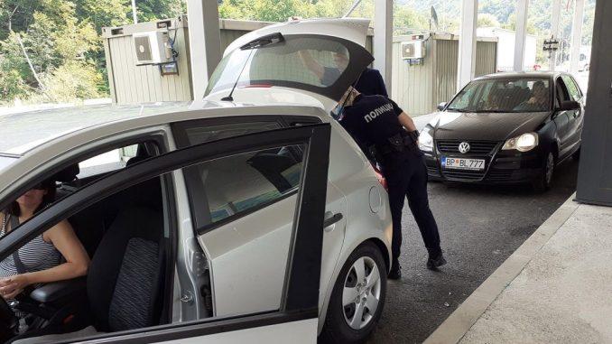Vraćeni sa prelaza sa Crnom Gorom zbog nejasnog uputstva 1