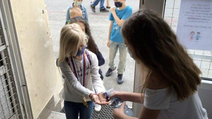 Škole i korona virus: Odlaganje početka nastave, prkos roditelja i nova pravila na Balkanu i u svetu 4