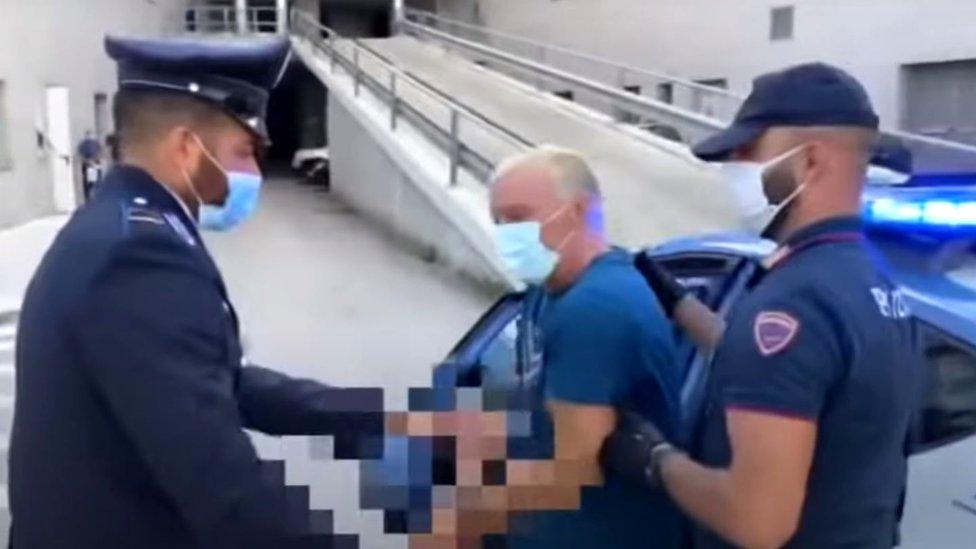 Policija vraća Mastinija u zatvor