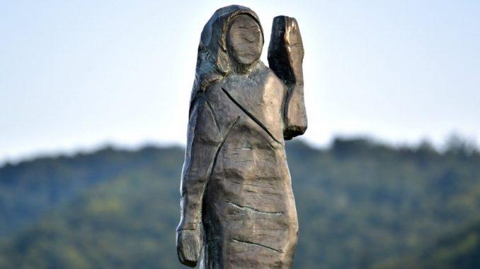 Slovenija, Amerika i Melanija Tramp: Postavljena nova bronzana statua prve dame SAD 2