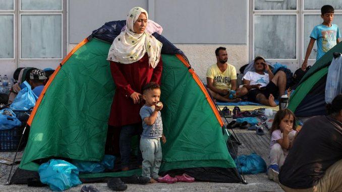 Migranti u Grčkoj: Policija prebacuje izbeglice u novi kamp posle požara u Moriji 2