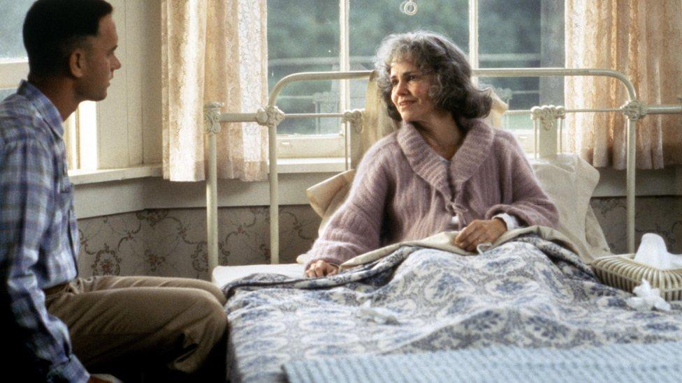 Tom Henks i Seli Fild kao sin i majka u filmu