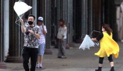 Japanska vlada izdala nalog da se sklone ljudi iz područja najugroženijih olujom 15