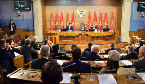 CG: Razgovori o pozicijama u novoj vladi tek slede 12