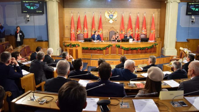 Sutra glasanje o zakonima koje je vratio Đukanović 5
