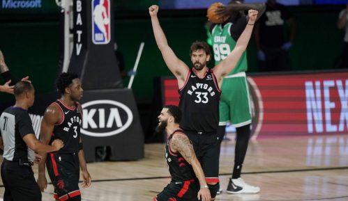 Klipersi poveli protiv Denvera, pobeda Toronta 8