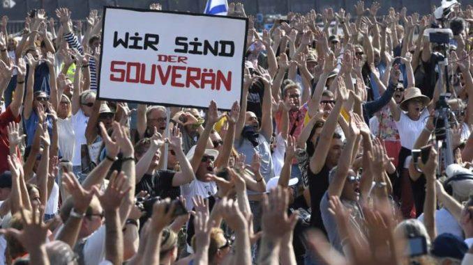 Stotine Nemaca demonstrirale u Diseldorfu protiv ograničenja zbog korona virusa 3