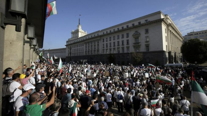 RSE: Eskalacija protesta protiv Borisova i korupcije u Bugarskoj 3