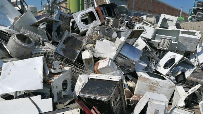 Mesto gde se recikliraju veš mašine, kompjuteri i frižideri (FOTO) 1