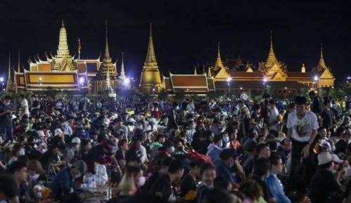 Hiljade demonstranata na ulicama Bangkoka za nove izbore i reformu monarhije 7