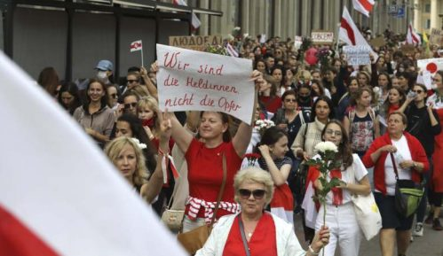 Hiljade žena na maršu protiv Lukašenka u Minsku 8
