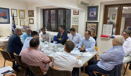 Živković: Na sastanku opozicije dogovoren izlazak na izbore u više ideoloških kolona 12