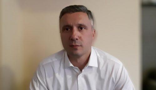 Obradović (Dveri): Prihvatam poziv Gordane Čomić na dijalog o istopolnim zajednicama 9