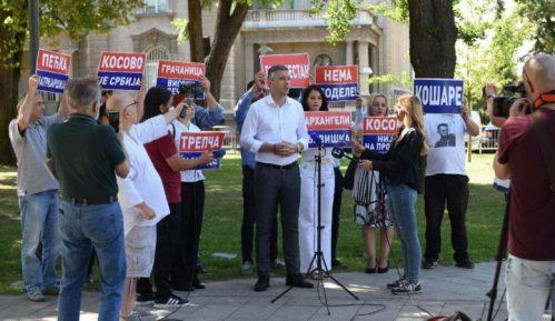 Obradović: Vučić neovlašćeno pregovara o Kosovu i Metohiji 10